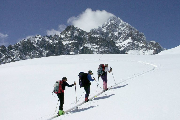 Winter sports and ski-tourism at the foot of Monviso
